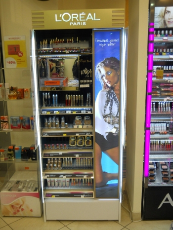 loreal stand